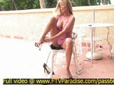 taryn-awesome-sexy-blonde-girl-undresses-outside