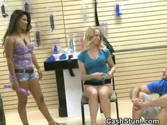 amateur-blonde-plays-with-herself-for-pay